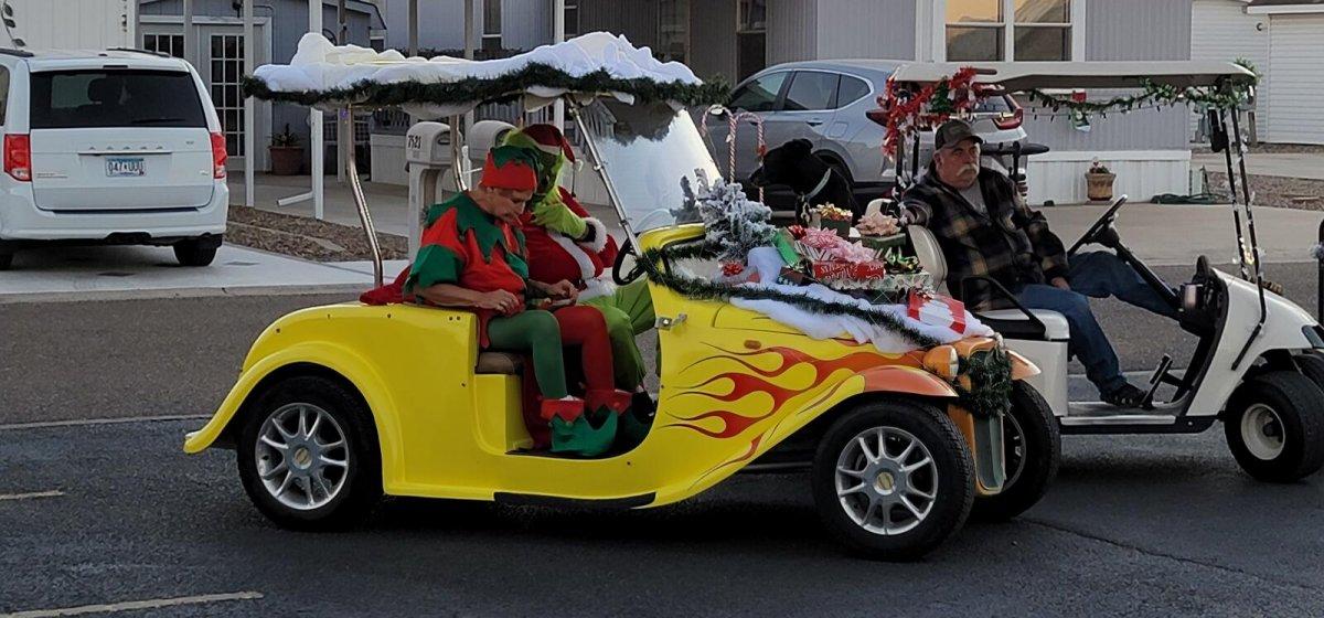 2020-Golf-Cart-Parada-1
